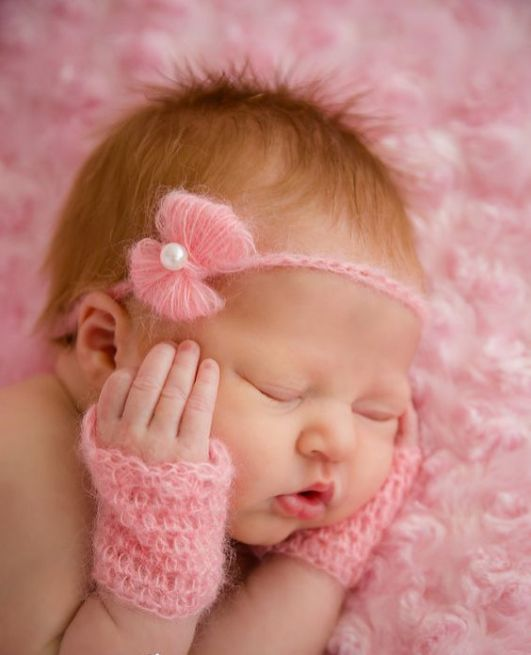 50 Cute Newborn Photos for Baby Girl Ideas 48