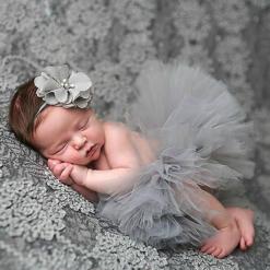 50 Cute Newborn Photos for Baby Girl Ideas 49