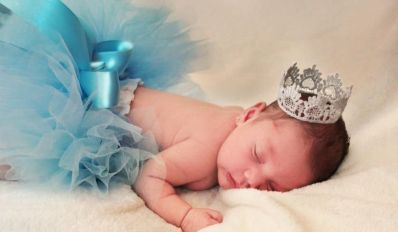 50 Cute Newborn Photos for Baby Girl Ideas 9