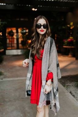 50 Fashionable Red Outfit Ideas 11