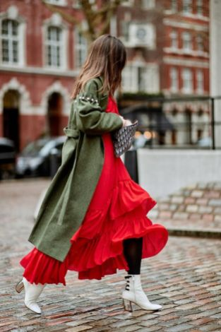 50 Fashionable Red Outfit Ideas 45