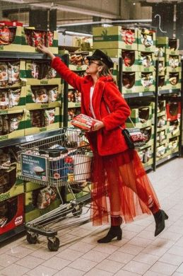 50 Fashionable Red Outfit Ideas 49
