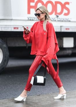50 Fashionable Red Outfit Ideas 55