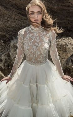 50 Simple Glam Victorian Neck Style Bridal Dresses Ideas 1