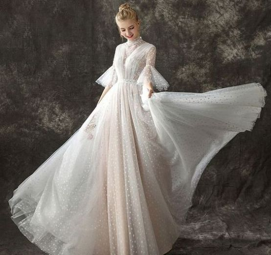 50 Simple Glam Victorian Neck Style Bridal Dresses Ideas 11