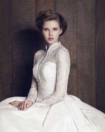 50 Simple Glam Victorian Neck Style Bridal Dresses Ideas 24