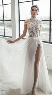 50 Simple Glam Victorian Neck Style Bridal Dresses Ideas 27