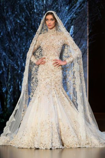 50 Simple Glam Victorian Neck Style Bridal Dresses Ideas 37