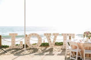 60 Beach Wedding Themed Ideas 11