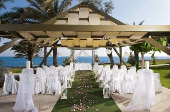 60 Beach Wedding Themed Ideas 32