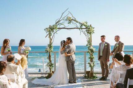 60 Beach Wedding Themed Ideas 52
