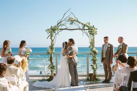 60 Beach Wedding Themed Ideas 52