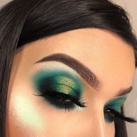40 Green Eyeshadow Looks Ideas 18