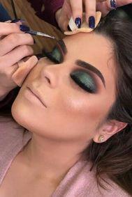 40 Green Eyeshadow Looks Ideas 19