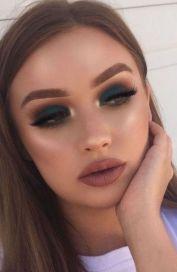 40 Green Eyeshadow Looks Ideas 22