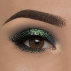 40 Green Eyeshadow Looks Ideas 30