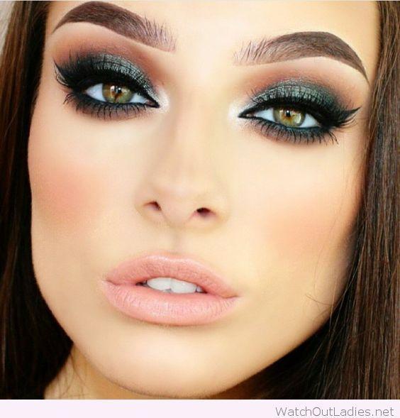 40 Green Eyeshadow Looks Ideas 33