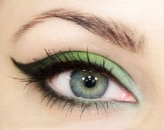 40 Green Eyeshadow Looks Ideas 44
