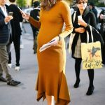 40 How to Look Stylish for Pregnant Women Ideas 34