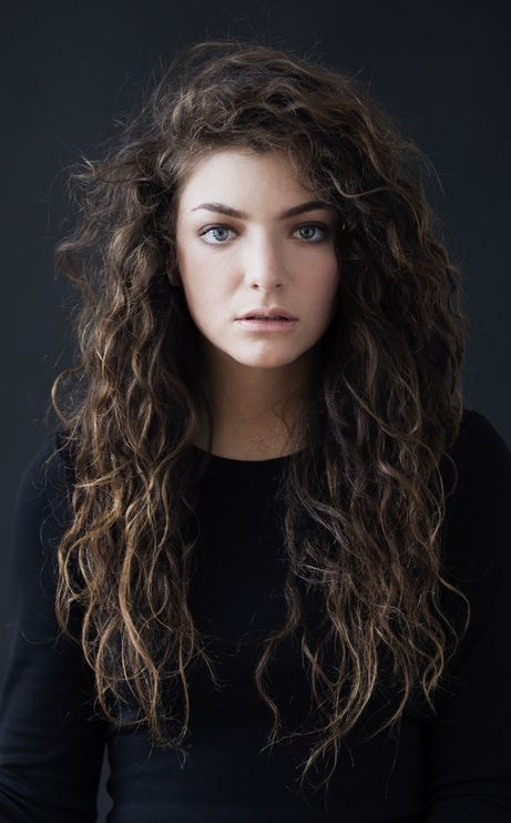 40 Loose Curly Natural Hairstyle Ideas 16