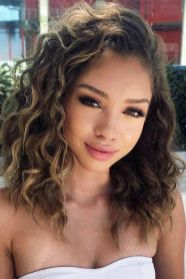 40 Loose Curly Natural Hairstyle Ideas 2