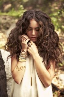 40 Loose Curly Natural Hairstyle Ideas 20