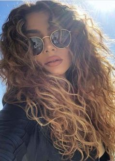40 Loose Curly Natural Hairstyle Ideas 21