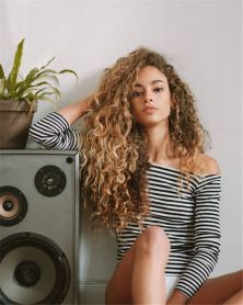 40 Loose Curly Natural Hairstyle Ideas 35