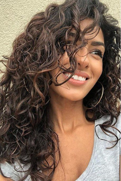 40 Loose Curly Natural Hairstyle Ideas 43