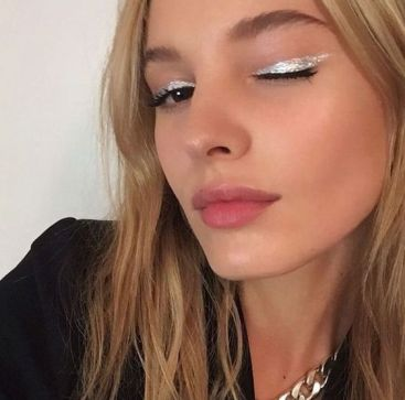 40 Silver Eye Makeup Looks You Need to Try 12