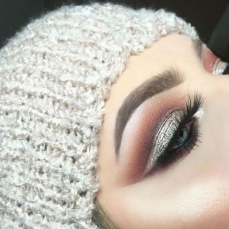 40 Silver Eye Makeup Looks You Need to Try 13