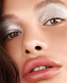 40 Silver Eye Makeup Looks You Need to Try 39