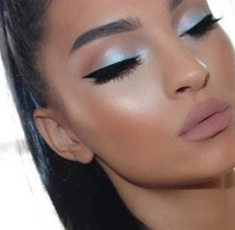 40 Silver Eye Makeup Looks You Need to Try 5