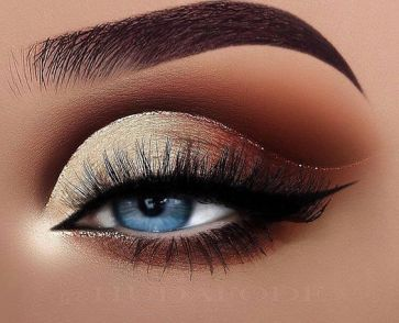 40 Silver Eye Makeup Looks You Need to Try 7