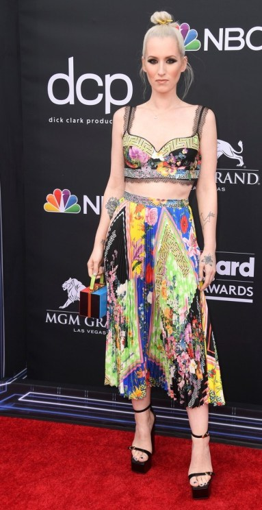 40 The Looks You Need to See From Billboard Music Awards 2019 Red Carpet 21