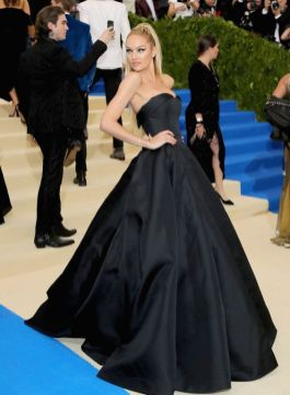 50 Adorable Met Gala Celebrities Fashion 17