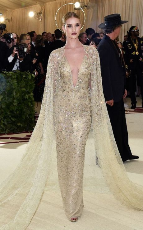 50 Adorable Met Gala Celebrities Fashion 26