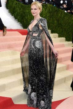 50 Adorable Met Gala Celebrities Fashion 27