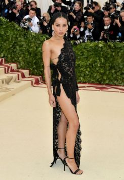 50 Adorable Met Gala Celebrities Fashion 34