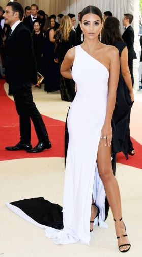 50 Adorable Met Gala Celebrities Fashion 45