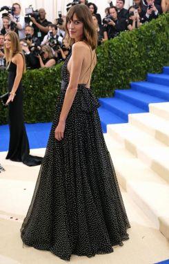 50 Adorable Met Gala Celebrities Fashion 50