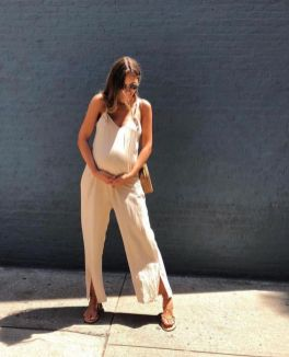 50 Comfy and Stylish Maternity Outfits Street Style Looks 18