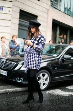 50 Comfy and Stylish Maternity Outfits Street Style Looks 29