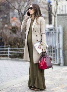 50 Comfy and Stylish Maternity Outfits Street Style Looks 39