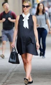 50 Comfy and Stylish Maternity Outfits Street Style Looks 48