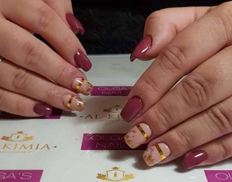 50 Glam Gold Girly Nail Art Looks Ideas 14
