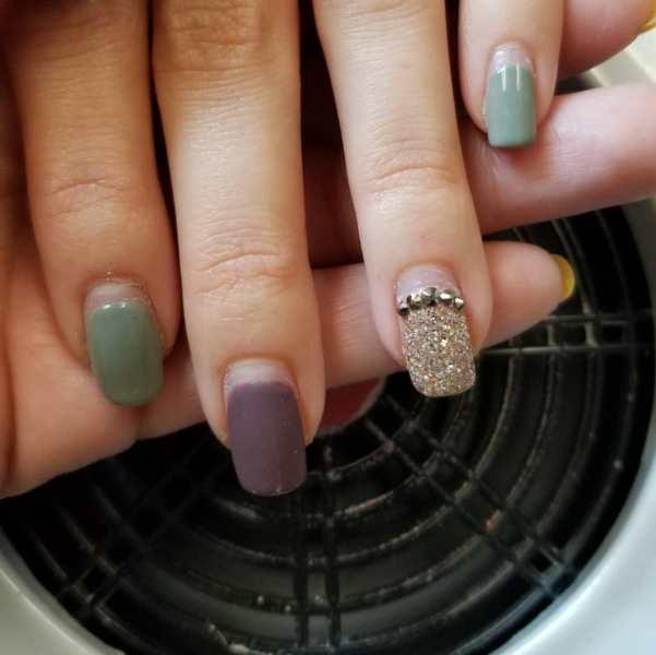 50 Glam Gold Girly Nail Art Looks Ideas 18