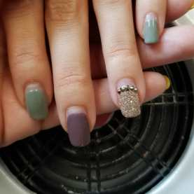 50 Glam Gold Girly Nail Art Looks Ideas 18