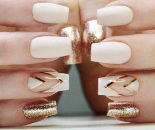 50 Glam Gold Girly Nail Art Looks Ideas 22
