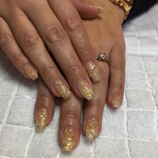 50 Glam Gold Girly Nail Art Looks Ideas 27